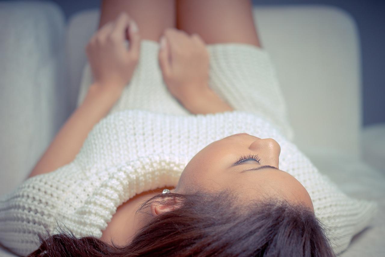 Nici liftingujące – nowoczesne zabiegi kosmetyczne